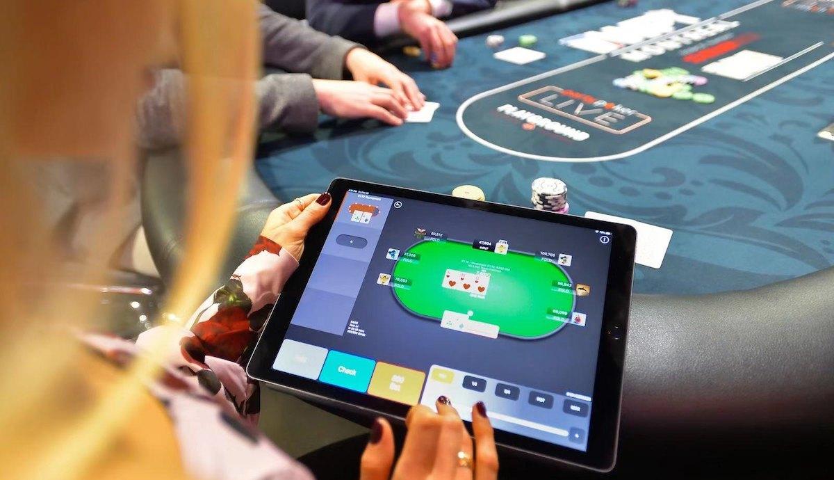Покер арена онлайн на компьютер играть бесплатно казино гаминатор